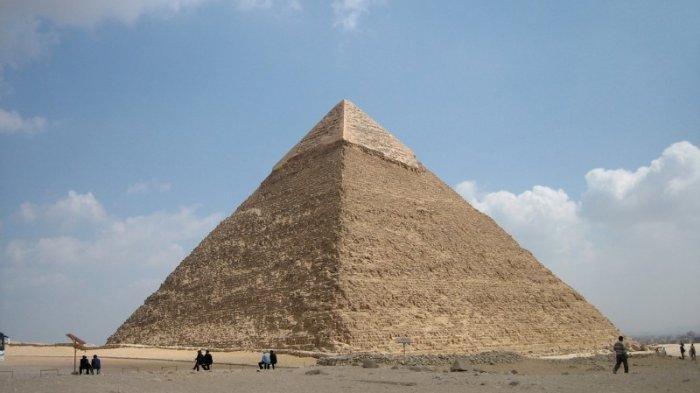 Berpose Telanjang di Piramida Giza, Otoritas Mesir Tahan Dua Orang