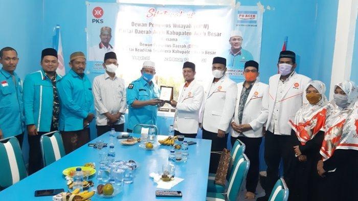 Pengurus PKS Aceh Besar Silaturahmi Silaturahmi ke Kantor DPW PDA Aceh Besar, Ini yang Mereka Bahas