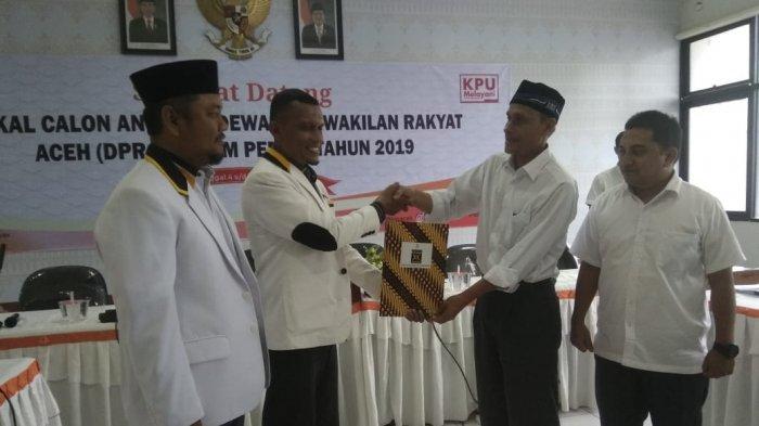 Diiringi Shalawat Badar, PKS Datang ke KIP Aceh