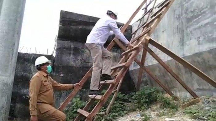 Turuni Tangga Darurat dengan Jalan Mundur, Plt Gubernur Aceh: Hati-hati Pak Dul!