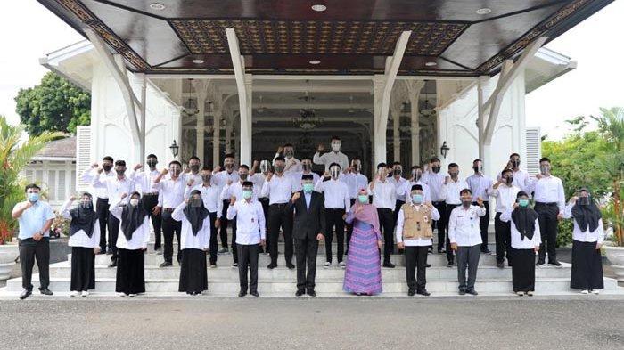 Plt Gubernur Lepas Keberangkatan 30 Orang Penerima Beasiswa Aceh Carong, Ini Harapan Nova