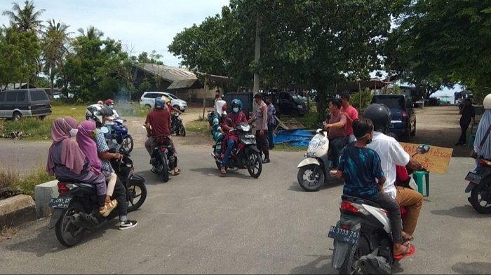 Polisi Arahkan Putar Balik Kendaraan Warga yang Hendak Liburan ke Objek Wisata di Bireuen