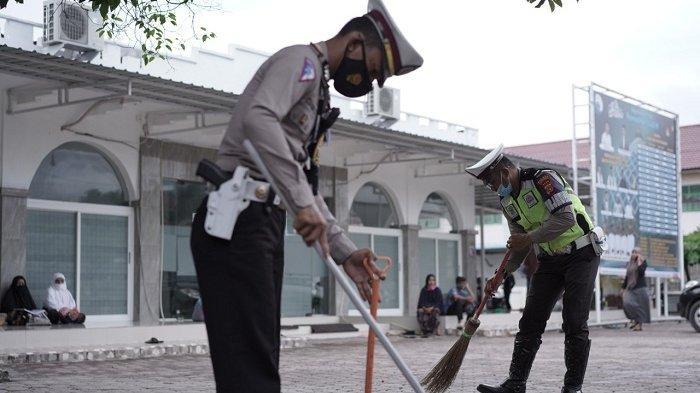 Puluhan Polantas Ramai-ramai Sambangi Masjid Jamik Lancang Garam, Tujuannya Ternyata Cukup Mulia