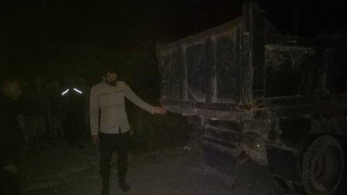 Polisi Tabrak Dump Truk Terparkir di Badan Jalan di Bener Meriah