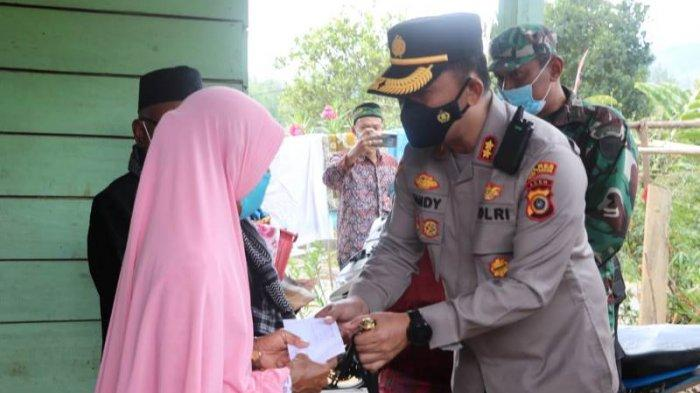 Disela Salurkan Bantuan, Kapolres Aceh Tengah Ingatkan Warga Jangan Membakar Lahan Sembarangan