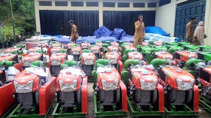 Kementerian Pertanian Bantu 100 Unit Pompa Air untuk Petani Simeulue