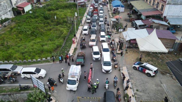 Hari Kedua Penyekatan di Lhokseumawe, Warga Dipaksa Putar Arah atau Jalani Vaksinasi di Lokasi