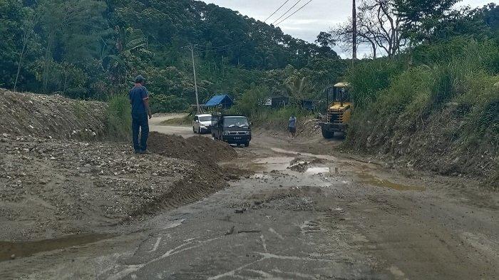 PPK 3.4 Bersihkan Material Longsor di Lintasan Blangkejeren-Kutacane, Ini Lokasinya