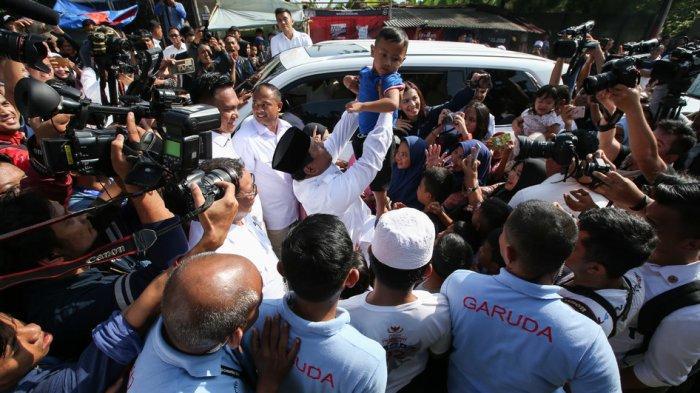 Usai Mencoblos di TPS Wilayah Bogor, Prabowo Subianto Disambut Sukacita Para Pendukungnya