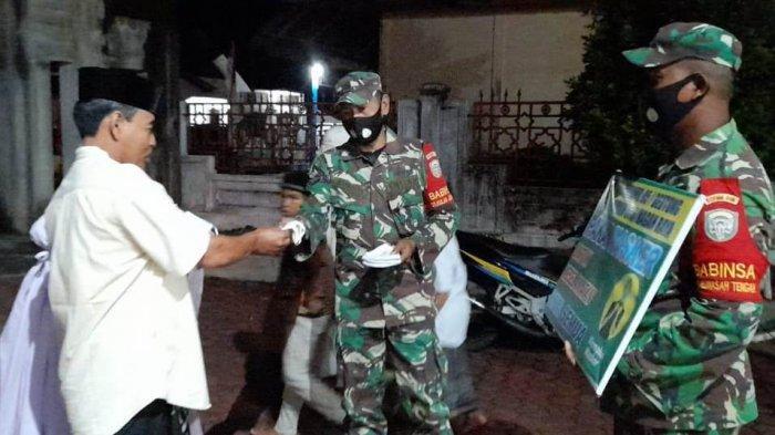 Ada Bagi-bagi 1.000 Masker untuk Jamaah Shalat Tarawih di Nagan Raya