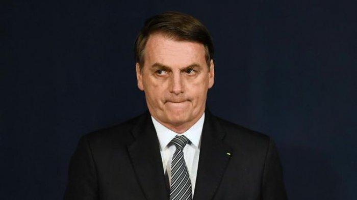 Cegukan Selama 24 Jam, Presiden Brazil Jair Bolsonaro Dilarikan ke Rumah Sakit