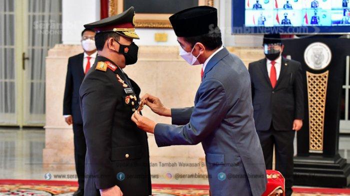 FOTO -  Jokowi Lantik Listyo Sigit Prabowo Sebagai Kepala Kepolisian Republik Indonesia - presiden-joko-widodo-melantik-listyo-sigit-prabowo-sebagai-kapolri-2.jpg