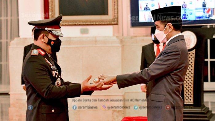 FOTO -  Jokowi Lantik Listyo Sigit Prabowo Sebagai Kepala Kepolisian Republik Indonesia - presiden-joko-widodo-melantik-listyo-sigit-prabowo-sebagai-kapolri-3.jpg