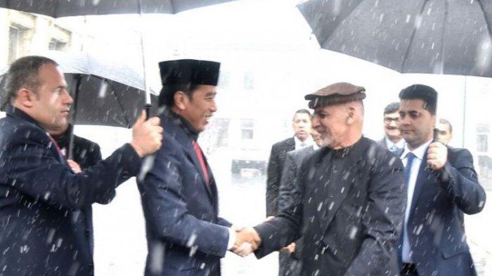 Kunjungi Afghanistan Usai Terjadi Serangan Bom, Kenapa Presiden Jokowi Tolak Pakai Rompi Antipeluru?