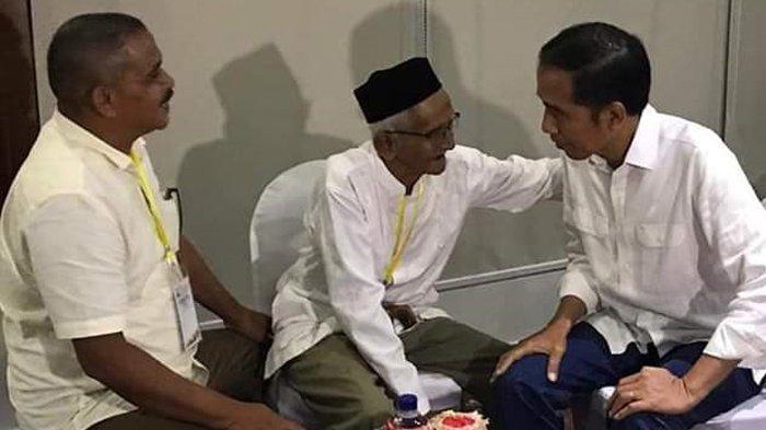 Presiden Jokowi Bertemu Nyak Sandang di Bandara SIM Aceh Besar, Bicarakan Masjid dan Ingin Naik Haji