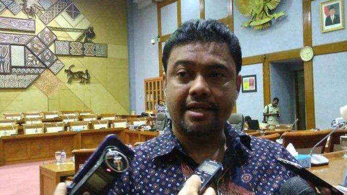 Presiden KSPI Said Iqbal saat Rapat Dengar Pendapat Umum (RDPU) terkait TKA dengan Komisi IX DPR di Gedung Parlemen, Senayan, Jakarta, Senin (16/1/2017). Said pada Sabtu, (24/10/2020), mengatakan baru tahu bahwa jumlah halaman UU Cipta Kerja kembali berubah.