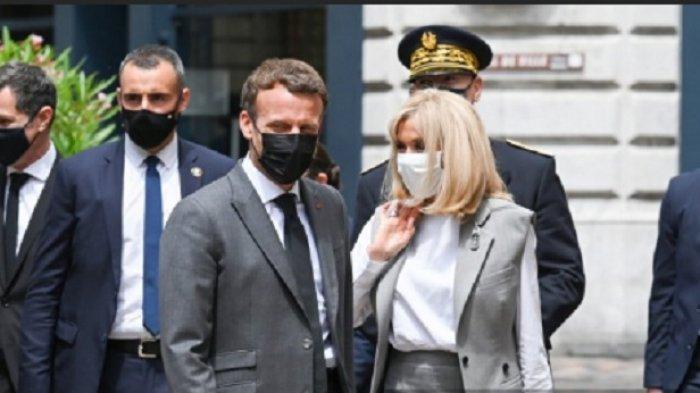 Seorang Pria Tampar Presiden Prancis Saat Sedang Berjalan-jalan