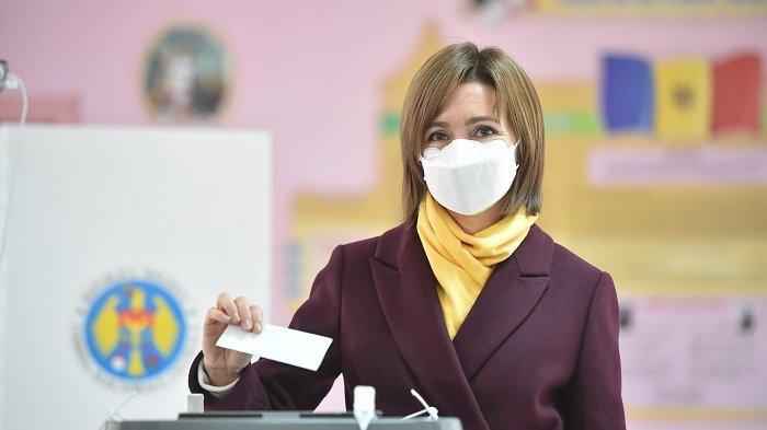 Cara Nyaman dan Wangi Pakai Masker Seharian di Tengah Pandemi Covid-19