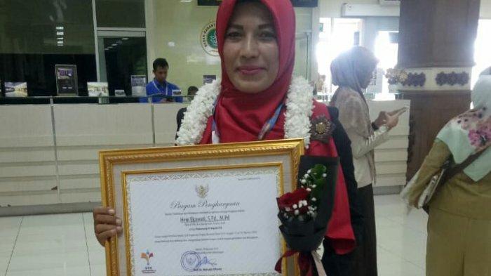 Heni Ekawati Ajarkan Siswa Slb Membatik Raih Prestasi Tingkat Nasional Halaman 2 Serambi Indonesia
