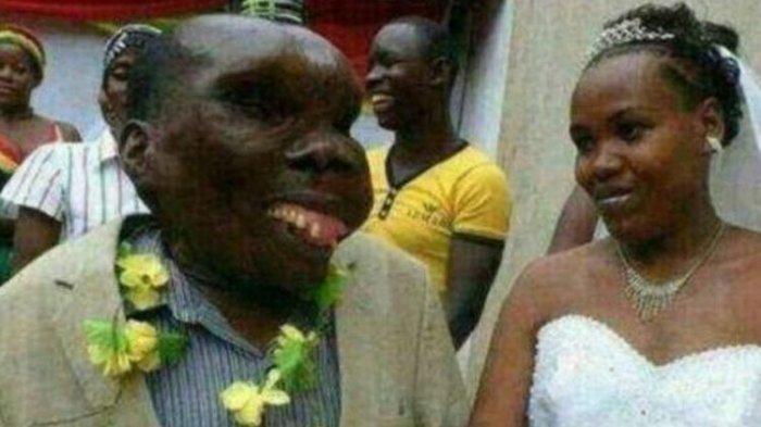 Pria Terjelek Ini merupakan Seorang Selebriti Uganda, Dia Bahkan Sudah Menikah Sebanyak Tiga Kali