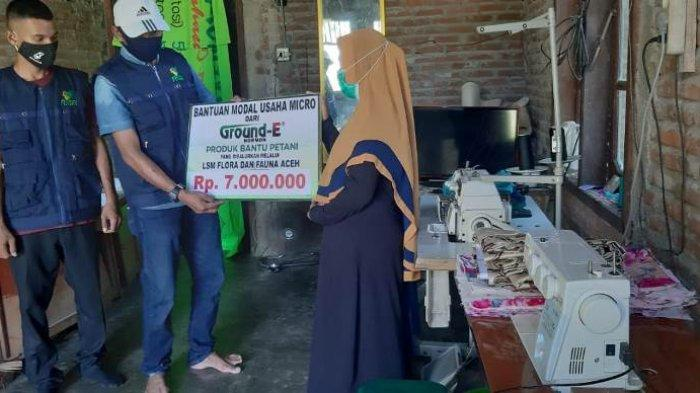 Petani Pemakai Ground-E Terima Bantuan Modal Usaha dari PT Incovet via LSM Flofa Aceh