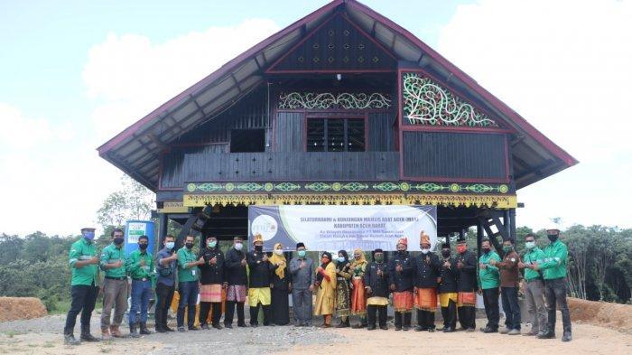 PT Mifa Bersaudara Dirikan Rumoh Aceh Untuk Pelestarian Adat di Aceh Barat