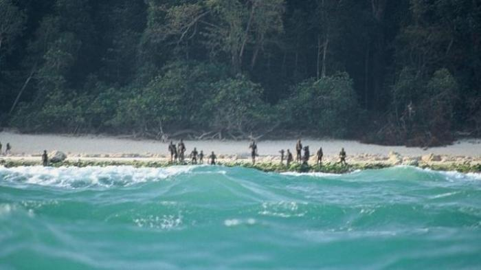 Kembali Bunuh Orang Asing, Bagaimana Bisa Suku Sentinelese Terisolasi dari Dunia Luar Begitu Lama?