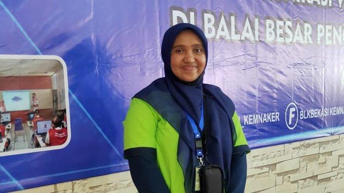 Putri Rizkiah, Guru SMK Darul Ihsan Aceh Juara II terbaik Design Komunikasi Visual di Bekasi