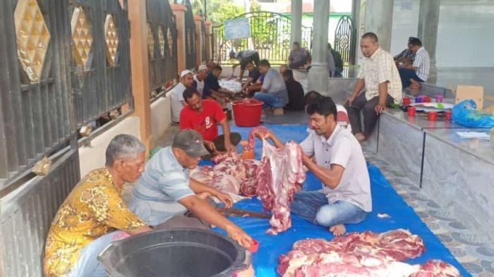 Warga Gampong Waido, Kecamatan Peukan Baro, Pidie menyembelih 7 ekor hewan Qurban pada Hari Raya Idul Adha 1442 Hijriah.