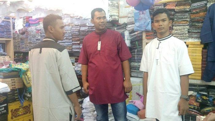 Qurta Hakim Pakaian Muslim Laki-laki yang Sedang Dicari Saat Ramadan