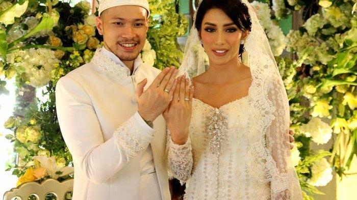 Raiden Soedjono dan <a href='https://manado.tribunnews.com/tag/tyas-mirasih' title='TyasMirasih'>TyasMirasih</a> saat <a href='https://manado.tribunnews.com/tag/menikah' title='menikah'>menikah</a>.