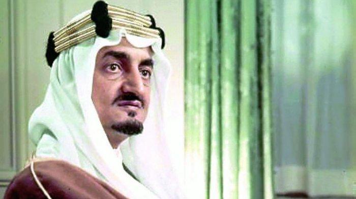 Sejarah Hari Ini, Raja Faisal dari Arab Saudi Dibunuh Keponakan, Pelaku Dipenggal dengan Pedang Emas