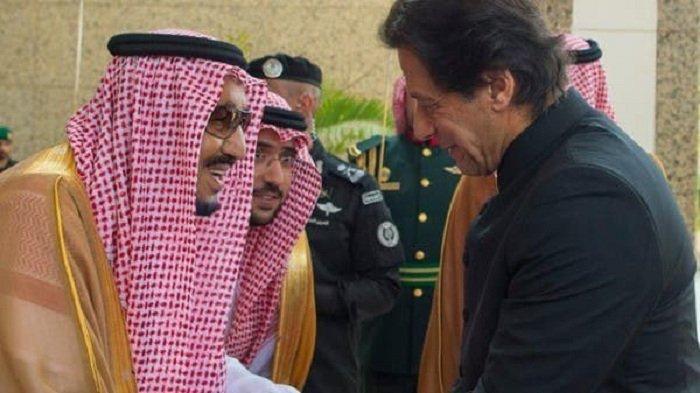 Raja Salman Doakan Perdana Menteri Pakistan Cepat Sembuh, Terinfeksi Covid-19 Usai Vaksinasi