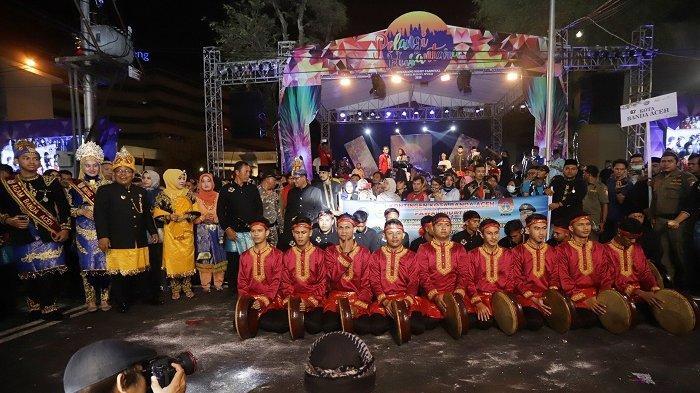 Rapai dan Debus Aceh Pukau Pengunjung Semarang Night Carnival