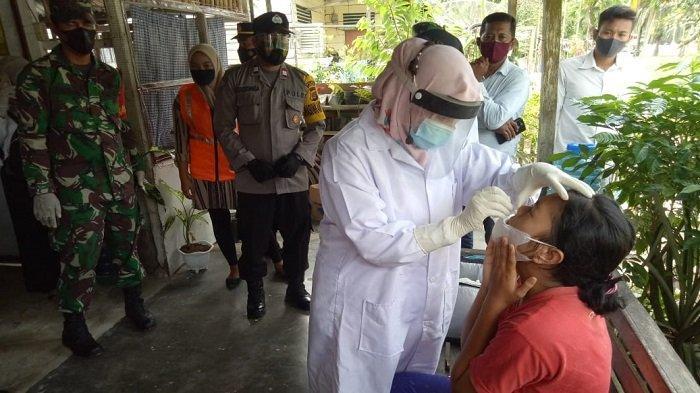 Keluarga Pasien Covid-19 di Birem Bayeun Aceh Timur Jalani Rapid Test Antigen