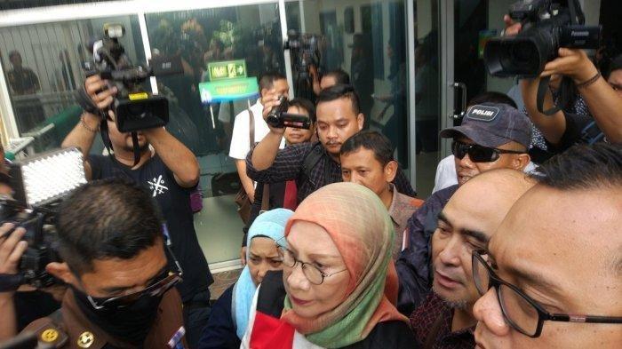 Ratna Sarumpaet Keluar dari Penjara, Permohonan Bebas Bersyarat Dikabulkan