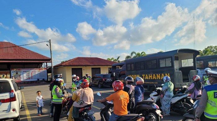 Ratusan Pemotor Cemas Saat Diarahkan Polisi Dalam Operasi Patuh Seulawah, Ternyata Ini yang Terjadi
