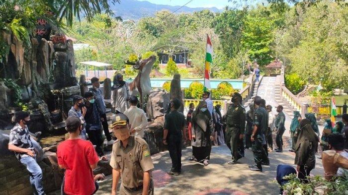 Satpol PP dan WH Aceh Besar Razia Obyek Wisata Taman Rusa,Jaring 67 Orang tak Pakai Masker