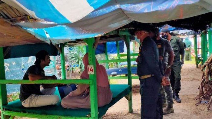 4 Pasangan Nonmuhrim Terjaring Razia di Pantai Lampuuk dan Lhoknga, Satpol PP Beri Peringatan Begini