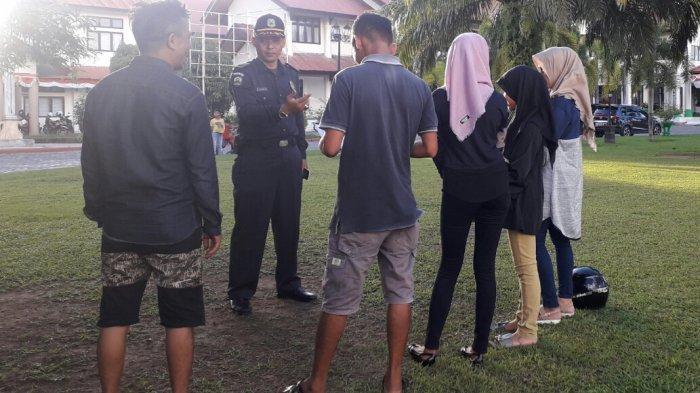 Polisi Syariah Jaring Puluhan Pria Bercelana Pendek dan Wanita Berpakaian Ketat