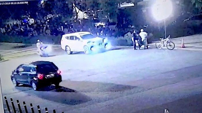 Detik-detik Ledakan Keras saat Nobar Debat Capres Terekam CCTV, Meledak Usai Mobil Putih Berhenti