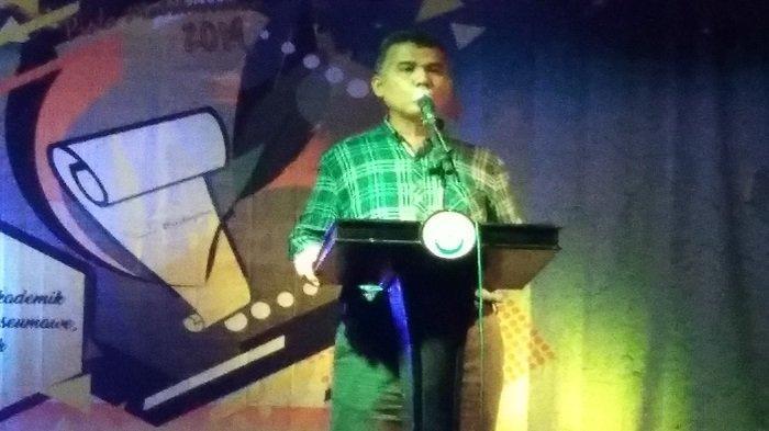 Rektor Unimal dan Sekda Aceh Utara Baca Puisi di Lomba Baca Puisi Piala Malukussaleh