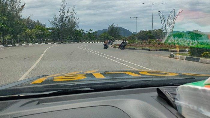 Para Remaja Balapan Liar Jelang Shalat Jumat di Jalan Pelabuhan Ulee Lheue