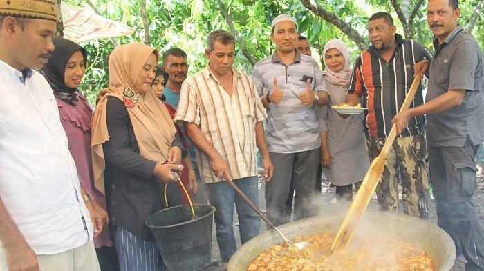 Alumni 89 SMA Padang Tiji Gelar Reuni di Kebun Cokelat
