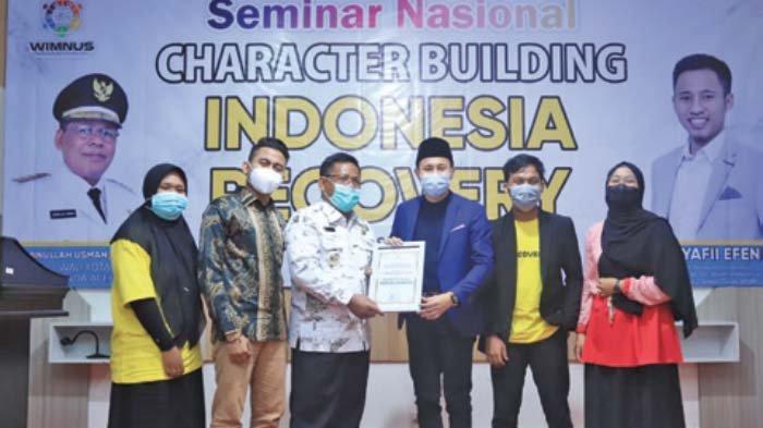 Aminullah Dinobatkan sebagai Pemimpin Peduli Pemuda Mandiri oleh Wimnus Aceh