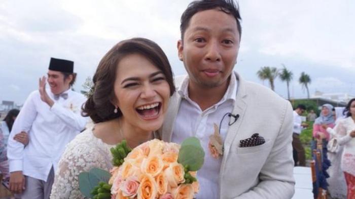 Istri Ulang Tahun, Ringgo Agus Rahman Hadiahi Jemuran