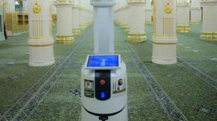 10 Robot Disinfektan Dioperasikan di Masjidil Haram, Arab Saudi