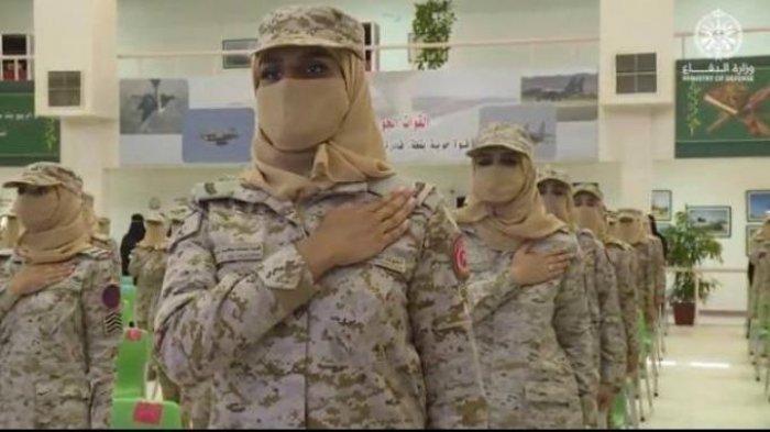Arab Saudi Kini Punya Tentara Perempuan Untuk Pertama Kalinya, Juga Ada Hakim Wanita