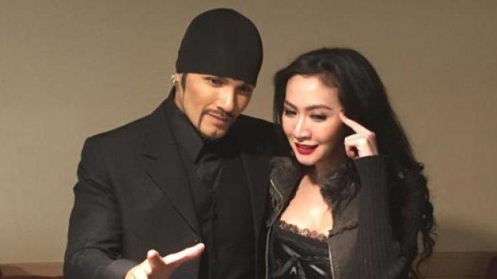 Romy Rafael bersama istrinya, Ury Kartha