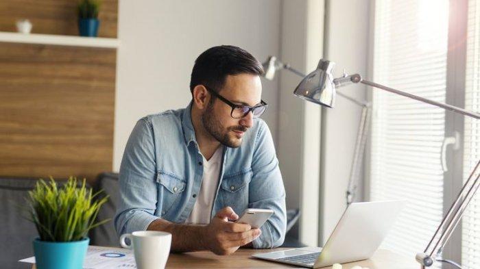 5 Tips Nyaman Bekerja dari Rumah, Atur Tempat Kerja, Tetap Disiplin Waktu Hingga Siapkan Cemilan